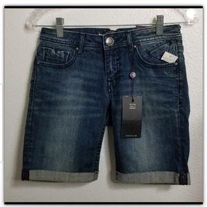 NWT Vigoss Bermuda jean shorts